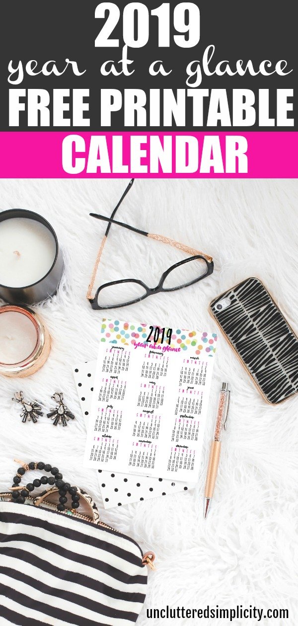 Get organized in 2019 with this free printable year at a glance calendar #2019 #2019calendar #freeprintablecalendar